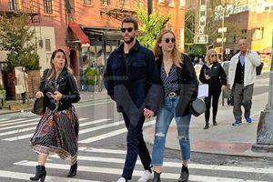 Liam Hemsworth có tình mới sau ly hôn Miley Cyrus