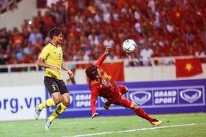 Hưng Thịnh Corp thưởng 1 tỷ đồng cho đội tuyển Bóng đá Việt nam