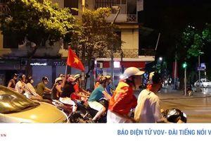 Người Hà Nội đã có cách khác ăn mừng chiến thắng của đội tuyển