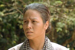 Bị soi chuyện xào rau sống, để diễn vai 'nhai như nhai cỏ' trong phim, Nhật Kim Anh nói gì?
