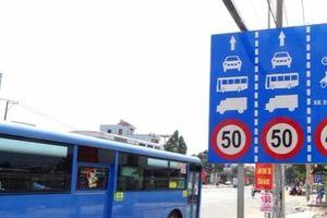 12 trường hợp phải giảm tốc độ khi lái xe