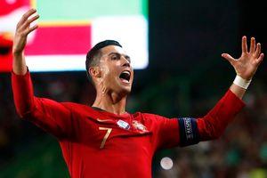 Ronaldo sắp cán mốc 700 bàn thắng trong sự nghiệp