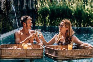 Tại sao kỳ nghỉ sau lễ cưới được gọi là tuần trăng mật?