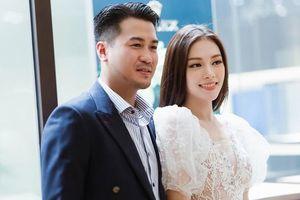Bạn gái thiếu gia Phillip Nguyễn vừa ra mắt giàu cỡ nào mà check-in khắp thế giới?