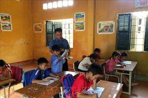 Giáo viên công tác tại các vùng khó khăn sẽ không còn hưởng các loại phụ cấp
