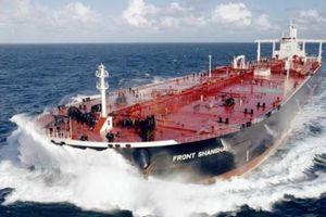 Lệnh trừng phạt của Mỹ khiến gần 300 tàu dầu 'đứng hình' tại cảng