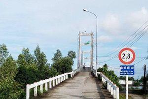 Chủ tịch tỉnh Cà Mau chỉ đạo 'nóng' vụ chủ đầu tư khắc phục cầu Đất Mới kiểu 'lạ lùng'