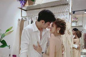 Trang Anna lần đầu tiết lộ 'tất tần tật' chuyện tình yêu với hotboy điển trai: Vô tình gặp nhau trên đất Thái, giờ đây đã thành người yêu nằm cạnh bên nhau!