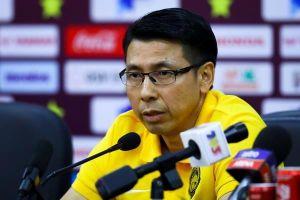Thua Việt Nam, bỏ họp báo, HLV Malaysia nói 'chưa đá hết sức'