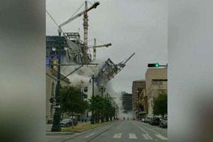 Khách sạn đổ sập xuống phố đông, 19 người thương vong