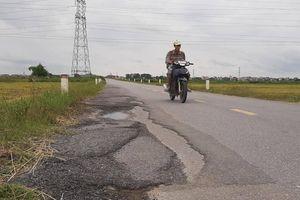 Có sự đùn đẩy trách nhiệm tại con đường mới cải tạo, xuống cấp ở Bắc Giang?