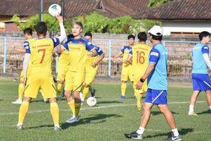 ĐT Việt Nam miệt mài tập luyện, chuẩn bị cho trận gặp ĐT Indonesia