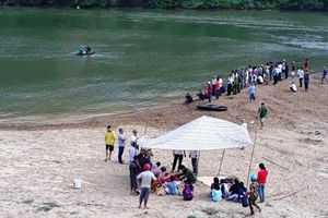 3 học sinh tử vong, mất tích dưới sông Ngàn Sâu