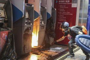 Cảnh sát Hong Kong: 'Lần đầu người biểu tình dùng bom tự chế'