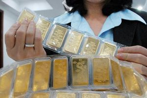 Vàng trong nước tiếp tục giảm giá