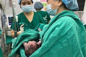 Trị vô sinh bằng nội soi nong vòi tử cung, sản phụ sinh con trai 3,7 kg
