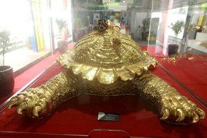 Cụ rùa Hồ Gươm mạ vàng 9999 được 'hét' giá như nào?