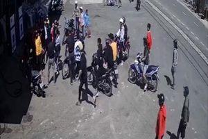 Lâm Đồng: Clip ghi lại cảnh nam sinh cấp 2 bị nhóm đối tượng vây đánh