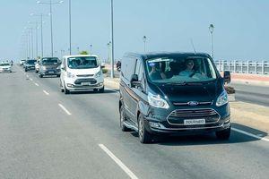 Ford Tourneo du ngoạn miền gió cát: Trải nghiệm 'sang chảnh'