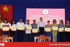 Trung ương Hội Nạn nhân chất độc da cam/dioxin Việt Nam làm việc tại Phú Tân