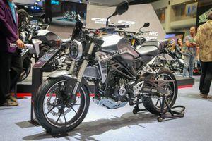 Cùng mức giá 140 triệu, chọn Honda CB300R hay Yamaha MT-03?