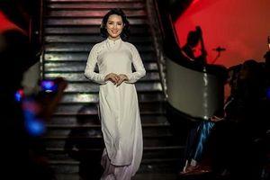 Hoa hậu Giáng My, Trịnh Kim Chi và dàn sao Việt nền nã trong tà áo dài
