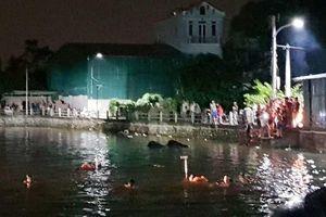 Hà Nội: Bơi thuyền đạp vịt buổi tối, 2 bé gái đuối nước tử vong