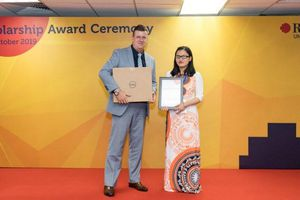 Cô sinh viên khiếm thị chinh phục học bổng toàn phần của ĐH RMIT Việt Nam