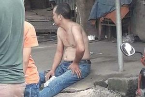 Phú Thọ: Người đàn ông dùng dao chém mẹ vợ và vợ trọng thương rồi ngồi hút thuốc