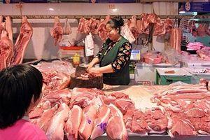 Khan hiếm nguồn cung, giá thịt lợn ở Trung Quốc tăng 69,3%