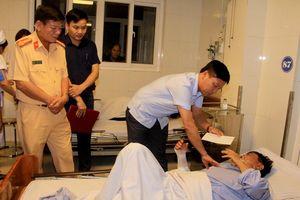 Vụ đối đầu kinh hoàng giữa xe khách và xe tải ở Nghệ An qua lời kể nạn nhân