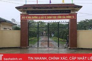 Mưa lũ diễn biến phức tạp, học sinh huyện miền núi Hà Tĩnh không thể đến trường