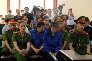 Vụ gian lận thi cử Sơn La: Nguyên Giám đốc Sở GD-ĐT tiếp tục vắng mặt