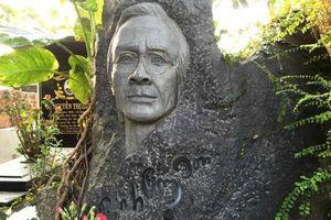 Dựng tượng NS Trịnh Công Sơn ở Quy Nhơn: Gia đình vẫn chưa nhìn được tượng phác thảo