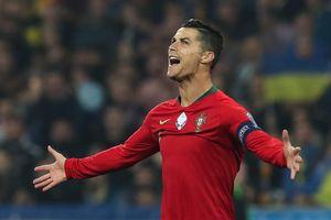 Ronaldo cán mốc 700 bàn, BĐN vẫn không thể ngăn đối thủ giành vé sớm