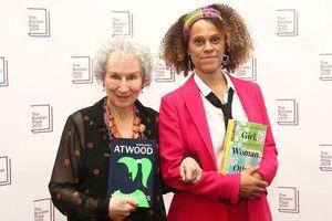 Hai nữ văn sĩ được nhận giải thưởng văn học Booker 2019