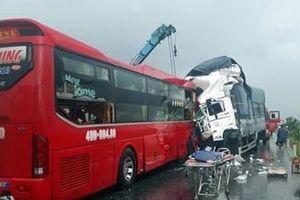 Nghệ An: Liên tiếp xảy ra các vụ tai nạn xe khách nghiêm trọng
