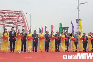 Thủ tướng cắt băng thông xe cây cầu hình cánh chim biển độc đáo nhất Hải Phòng
