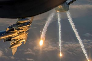 F-15, AH-64Apache đe dọa phe Thổ Nhĩ Kỳ áp sát lính Mỹ ở Syria