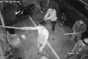 Nhóm 10X hẹn hỗn chiến ở quán cà phê, 1 người bị chém nhầm