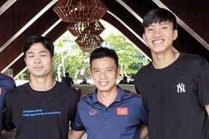 Tuyển Việt Nam tiễn 3 cầu thủ sau trận thắng Indonesia