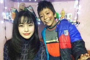 9X Hà Nội bị kỳ thị vì nhận nuôi bé gái bệnh tật, suy dinh dưỡng