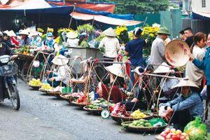 Khu vực nội thành Hà Nội còn 51 chợ cóc, chợ tạm