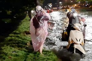 Đà Nẵng chật vật với mưa lớn đầu mùa