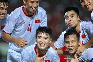 Thắng Indonesia, đội tuyển Việt Nam gửi chiến thư tới UAE và Thái Lan