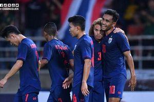 Đánh bại UAE, tuyển Thái Lan chiếm ngôi đầu bảng G