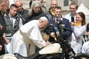 Harley-Davidson có chữ ký của Giáo hoàng Francis bán đấu giá 2,6 tỷ đồng