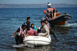 Hải quân Morocco giải cứu 329 người di cư bất hợp pháp