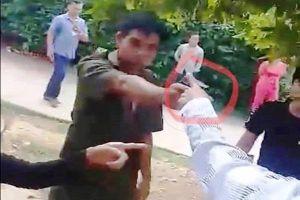 Phó công an xã ở Quảng Nam rút súng chĩa vào dân