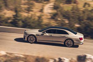 Bentley Flying Spur ấn tượng hơn với gói độ Blackline Specification